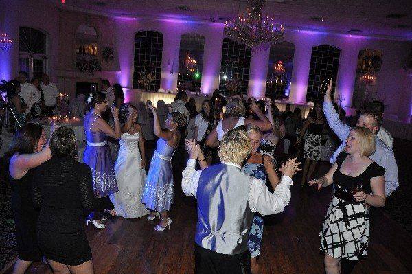 Couple and guests' dance celebration