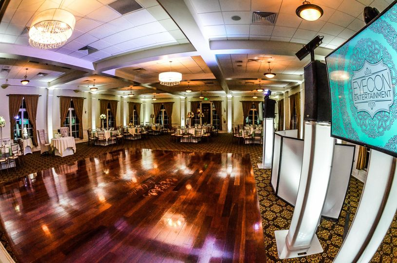 White lights for the dance floor