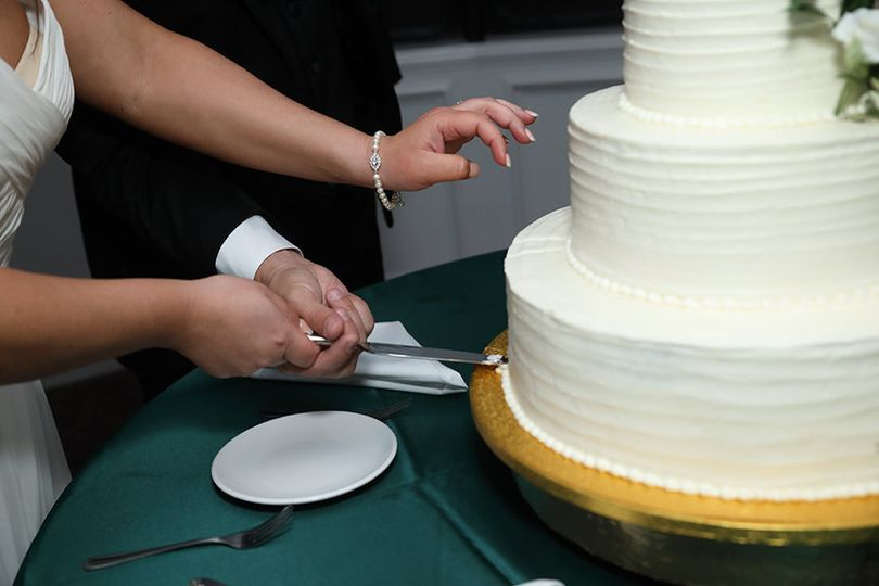 Cake cutting included