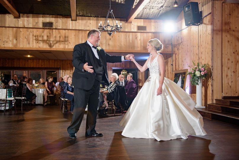 Newlyweds dance