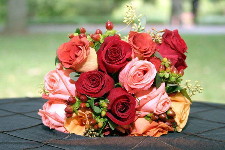 ffd82a793af9cc6c 1365339970925 sidney wedd flowers wed20