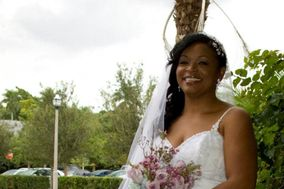 Arlene's Weddings & Event Planning Services / Floral Designer