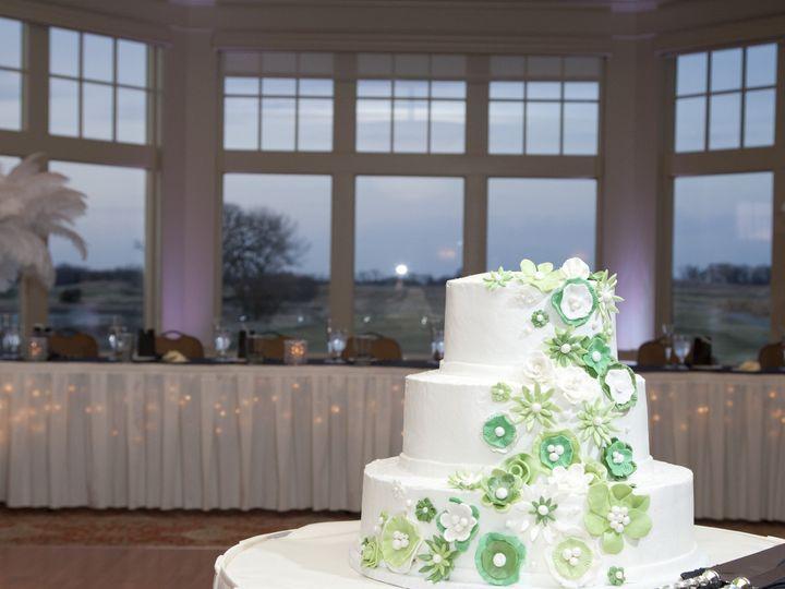 Tmx 1394841239985 Cake Head Tabl Kenosha wedding venue