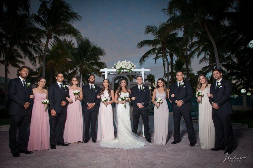 Outdoor Photos w/wedding party