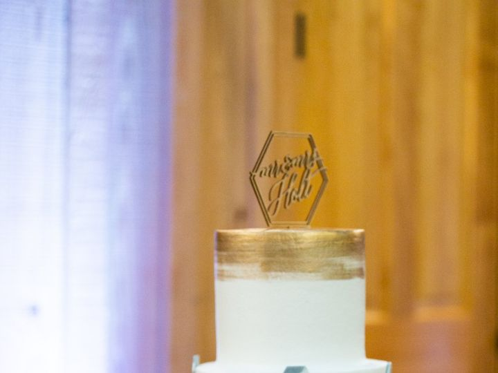 Tmx Wedding Cake With Champagne 51 204846 161005073974277 Tulsa, OK wedding cake