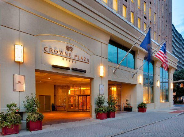 Welcome to the Crowne Plaza Harrisburg / Hershey hotel