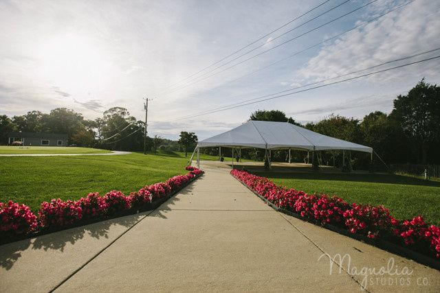 Path to the reception tent