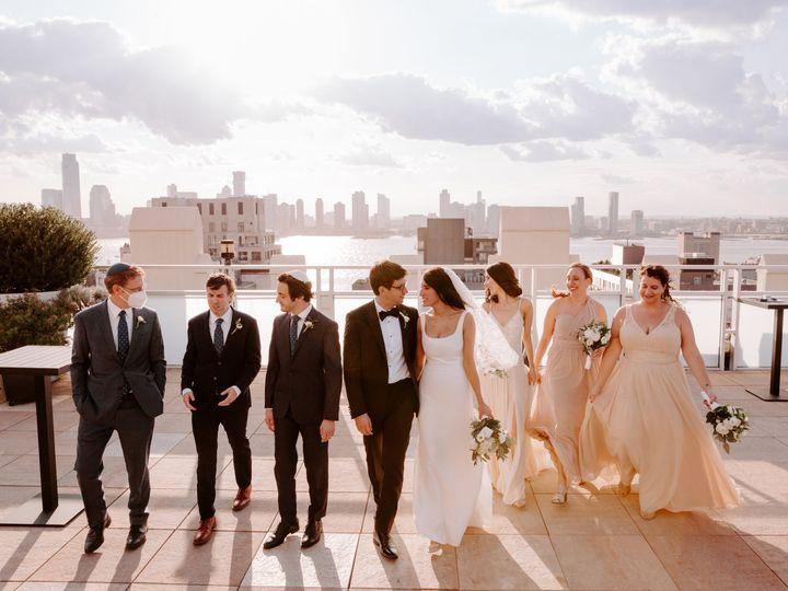 Tmx Tribeca Rooftop Wedding By Kara Mccurdy Photography 18 51 999846 160972321791693 Astoria, NY wedding photography