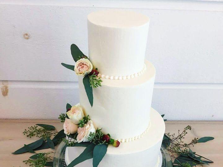 Tmx 1538356438 E0c9baa40e8cf798 1538356437 Ec85bb4f6afcc7b0 1538356434951 4 IMG 1592 Shelburne, VT wedding cake