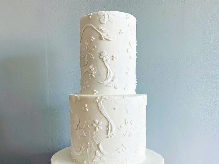 Tmx 874293ca 1fa1 42fb 878e F88f17b08727 51 1001946 1566949782 Shelburne, VT wedding cake
