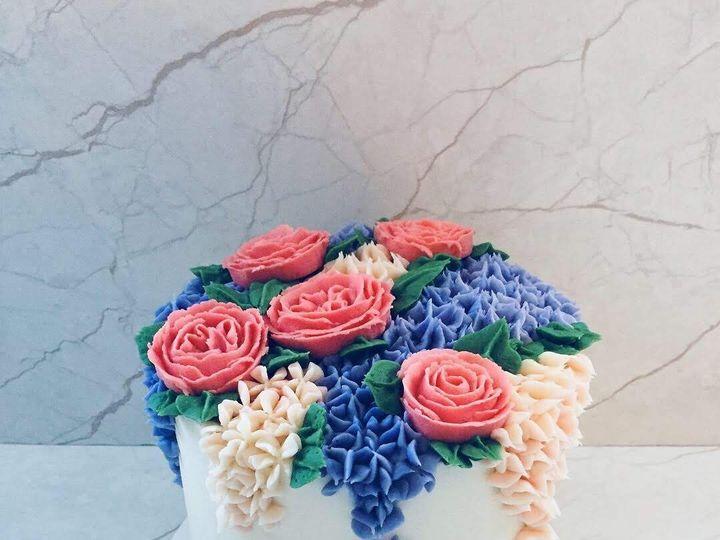 Tmx 9a0ff73a 0f72 4ffe 8f04 9700956427bd 51 1001946 1556583357 Shelburne, VT wedding cake