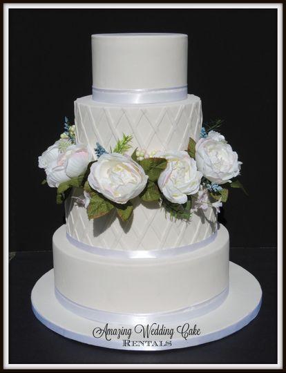 White Rose - Wedding Cake Rental