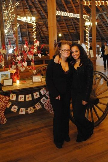 Christmas themed wedding at the Round Barn in Vermont-Day of Coordination Yosely-CEO Yomaris -CFO