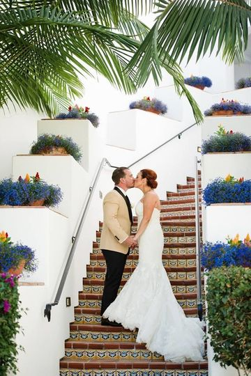 Couple kissing on the steps