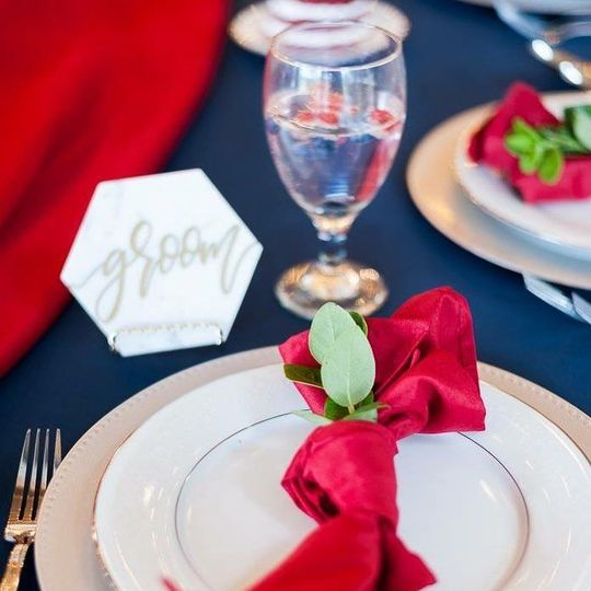 Sample table setting | Photo credit to Gonzalez Lugo Photography