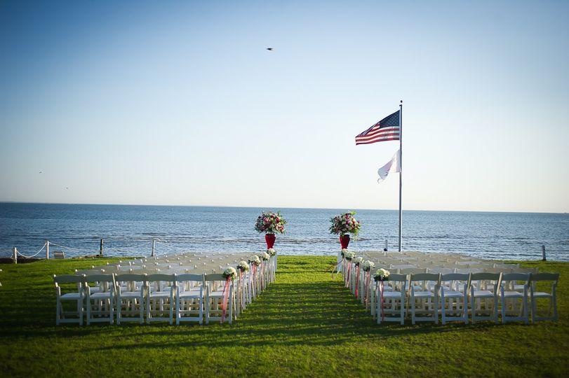wedding on lawn 51 2056 v1