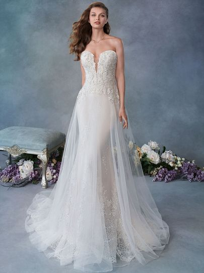 7799c5e7b7ef2 Bon Bon Belle Bridal - Dress & Attire - Burlington, WI - WeddingWire