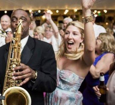 Tmx 1529566625 Af2111f7b5ee118a 1529566625 Bf01c7c93b092aa0 1529566621109 2 Cb2 Philadelphia wedding band