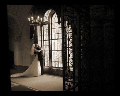 Weddingdaysfirstembrace