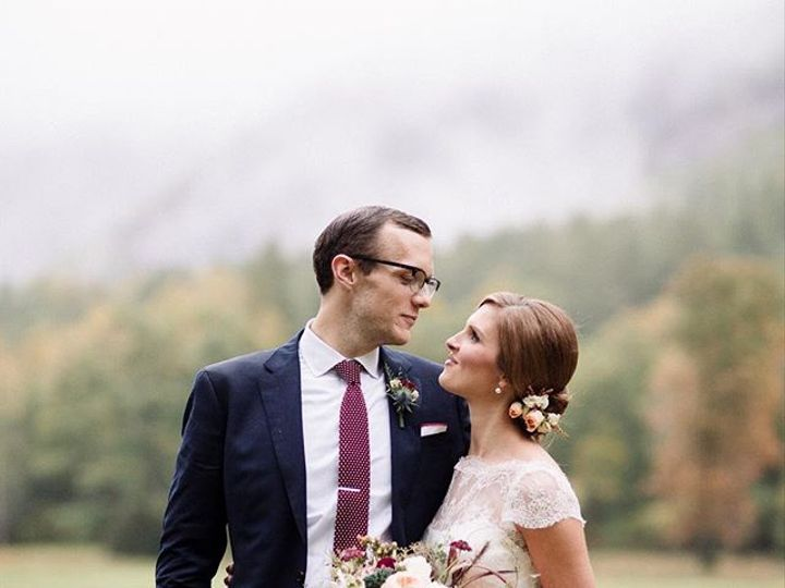 Tmx 22426760 800771736774223 8682306728512978944 N 51 157056 Cashiers, North Carolina wedding florist