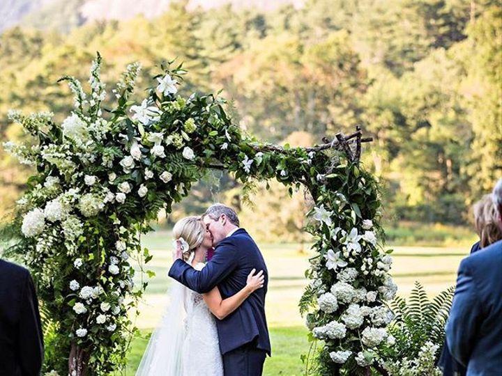 Tmx 22857602 215866655620011 1436390428474605568 N 51 157056 Cashiers, North Carolina wedding florist