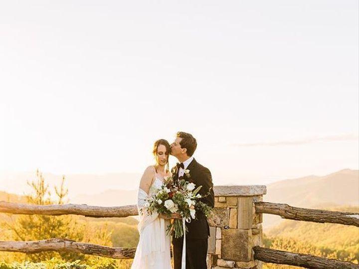 Tmx 26181949 403854926723182 8365232348433743872 N 51 157056 Cashiers, North Carolina wedding florist