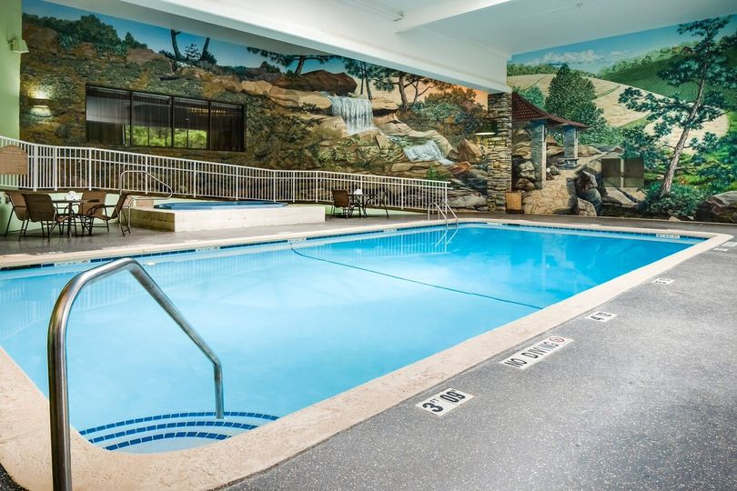 Holiday Inn Hotel Suites Des Moines Northwest Venue Urbandale Ia Weddingwire