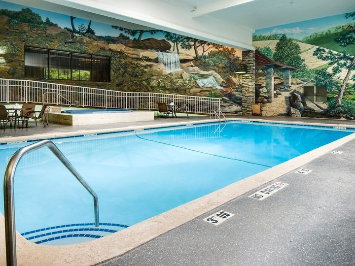 Tmx 1451423561009 Pool Urbandale, IA wedding venue