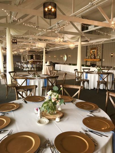 Gold plates and centerpiece