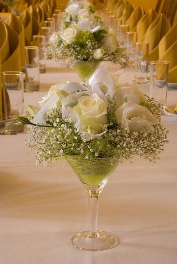 White rose table centerpiece