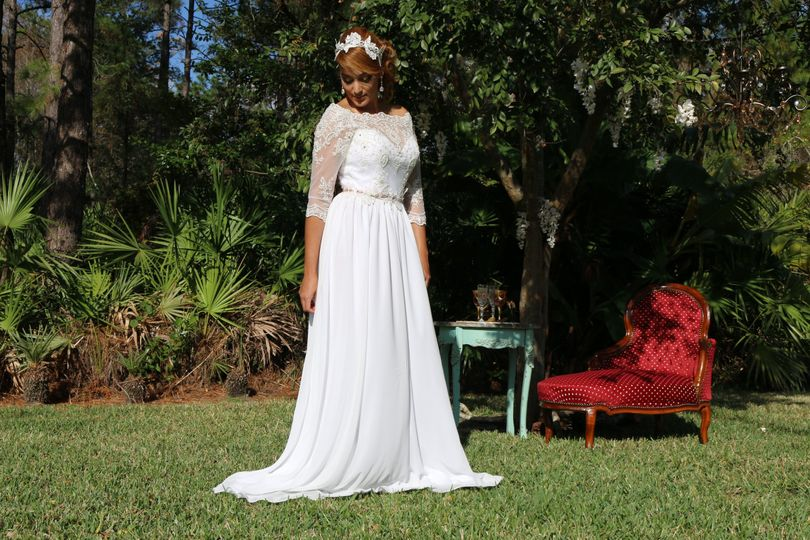 Romantic wedding dress.
