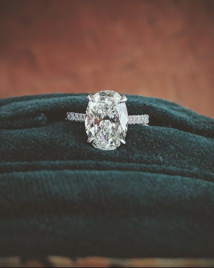 Oval Diamond with Pave Shank