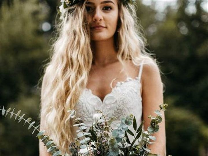 Tmx 3f2f216ef52a5eba17b9dc2c75fd1bbb Waterfall Wedding Earthy 51 40256 159658712924017 Oakhurst, CA wedding florist