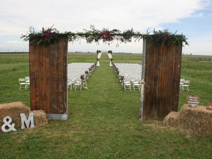 Tmx Img 5300 51 40256 159658932392605 Oakhurst, CA wedding florist