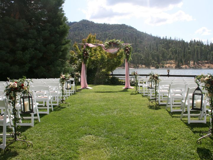 Tmx Img 5837 51 40256 159658775693540 Oakhurst, CA wedding florist