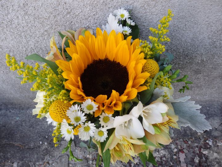 Tmx 1460412111992 P8081225 Oneida wedding florist
