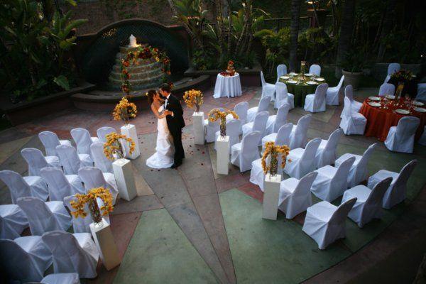 outdoor wedding at Hotel Menage
