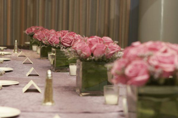 Pink Roses are Traditional but quite Simple so it can go Contemporary as well!
