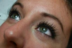 Butterfly Kisses Lash Studio