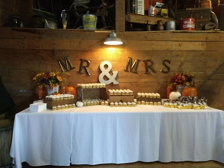 Tmx 44814287 320873072025250 7679878038984589312 N 51 1010356 158403165895909 Hartford, WI wedding cake