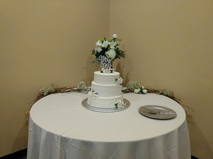 Tmx 78377287 544996302946258 3516757361274388480 N Copy 51 1010356 158403166180820 Hartford, WI wedding cake