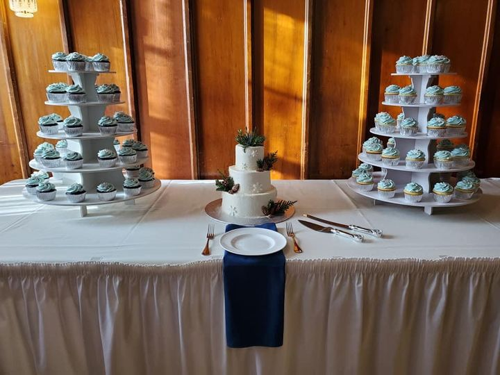 3 tier and cupcakes