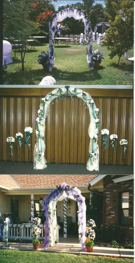 Different decorated arches.  (metal or wood available.)
