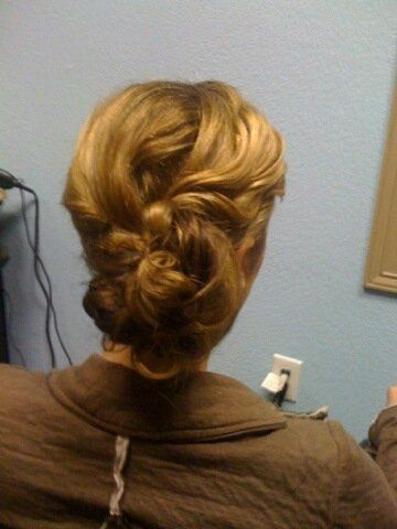 Lasts all night long and updo is thredded into place without the harsh use of Bobby pins.