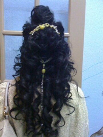 Broach was thredded into hair instead of pinned. Hairs pins and bobby pins run the risk of shifting...