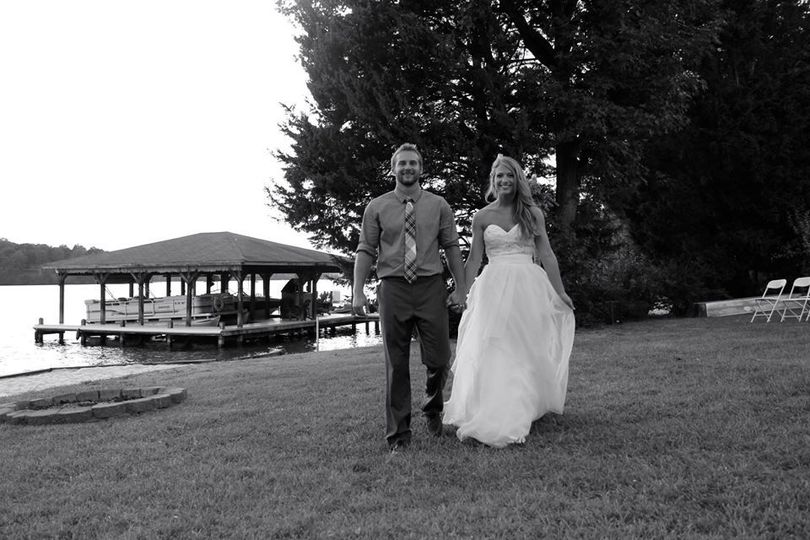 Riverfront wedding in Mineral