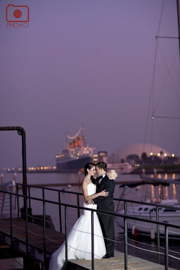 800x800 1365891355574 bride and groom queen mary