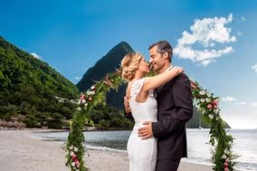 Linda Dancer with Honeymoons