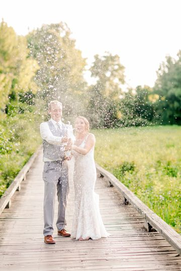 Popping champagne - Heather Heigel Photography