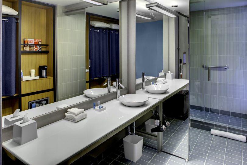 aloftclt guestbathroom